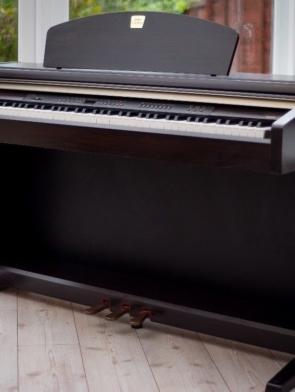 Đàn Piano điện Yamaha CLP 930