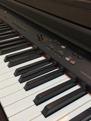 Đàn Piano điện Yamaha CLP 820